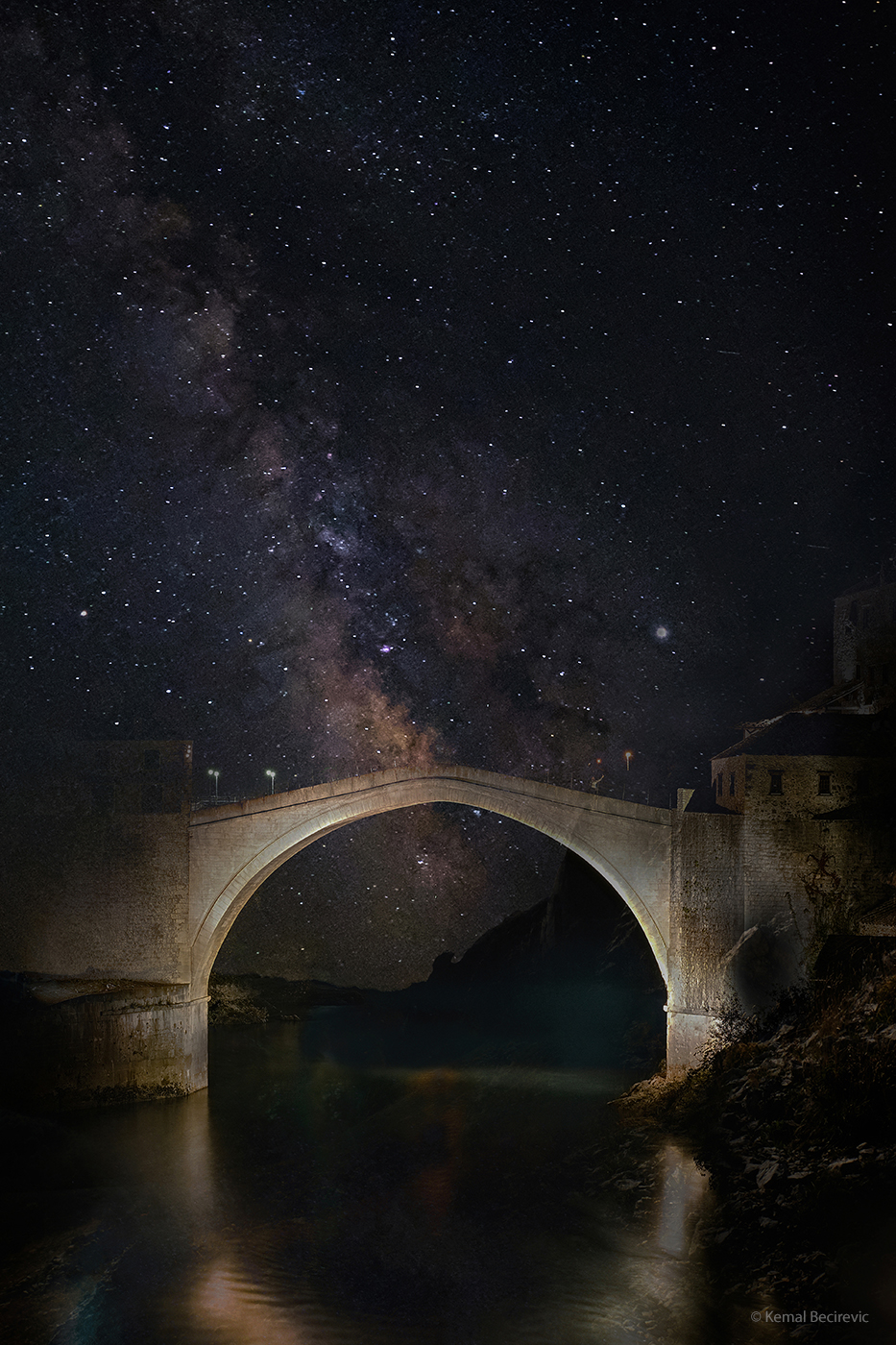 Nebo nad Mostarom je još uvjek isto.